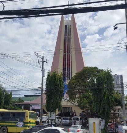 Kościół któregoś z licznych wyznań
